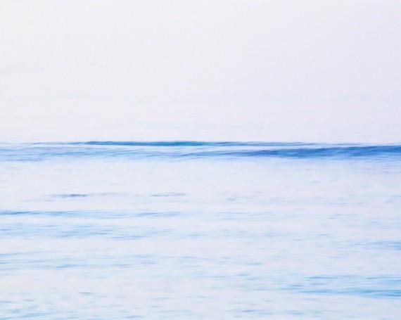 夕暮れの一本の波
